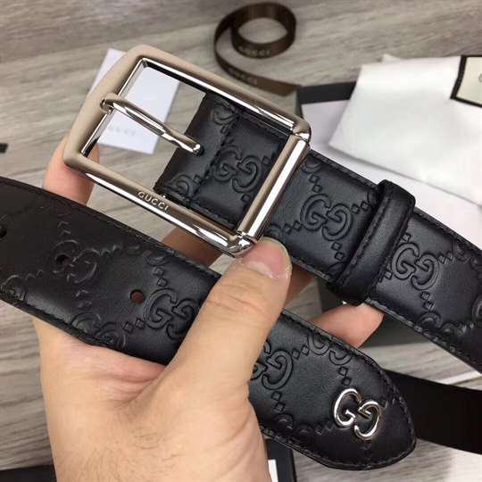GUCCI SIGNATURE BELT WITH GG DETAIL - B35